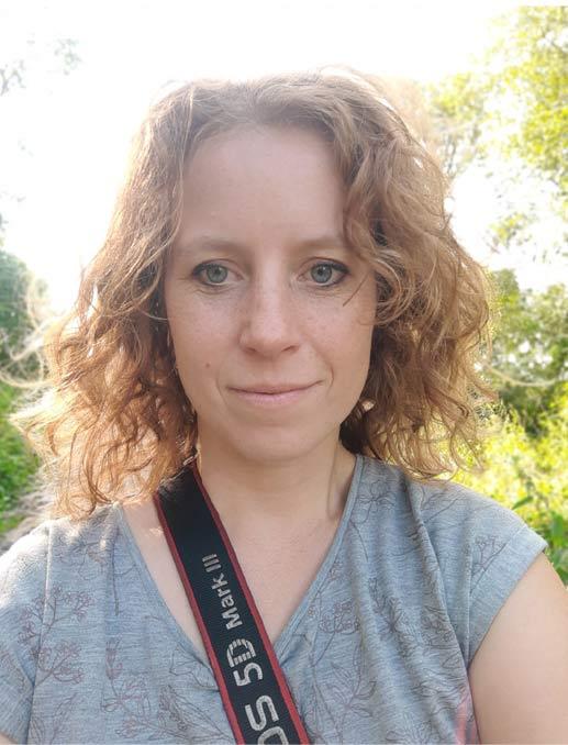 Anna Krupa portret z farbami